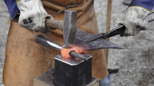 How to Make a Homemade Tomahawk - Clutch Axes